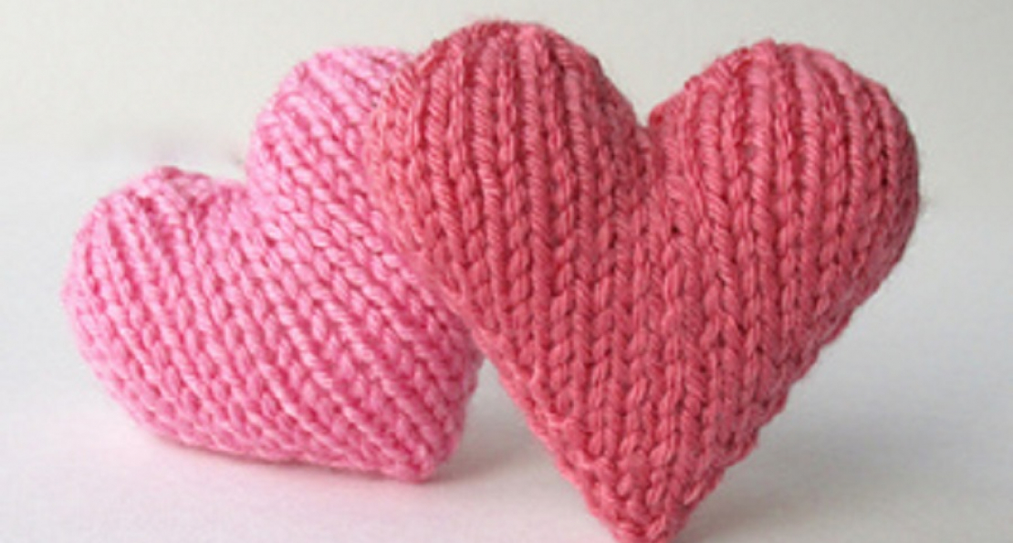 Appeal for knitted hearts to connect patients with loved ones